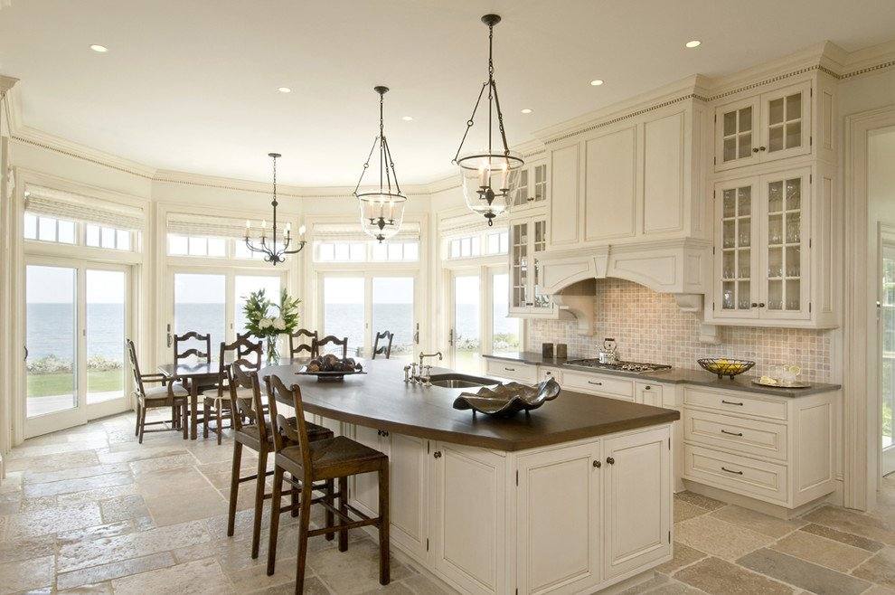 Antique White Kitchen Cabinets For A Vintage Vibe
