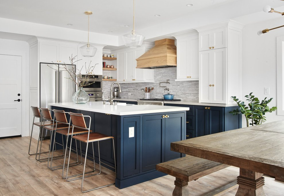 Navy Blue Kitchen Cabinets For A Royal Vibe